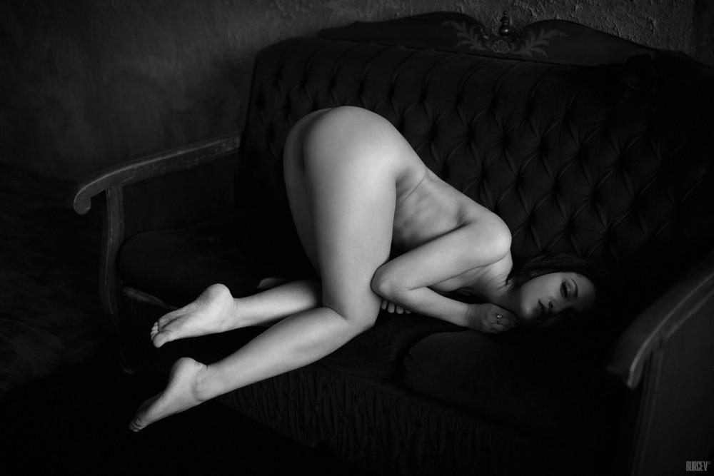 Снимки в стиле «Ню» Алексея Бурцева