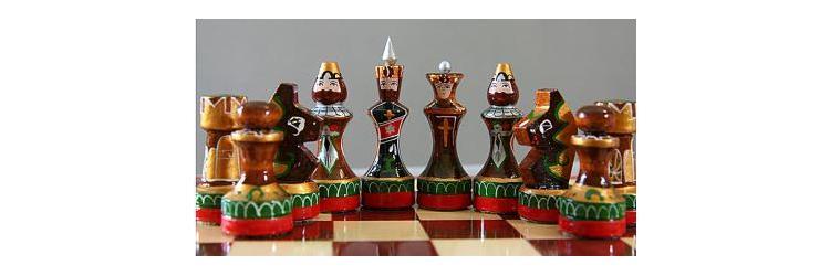 Международный день шахмат. Шахматы деревянные в народном стиле открытки фото рисунки картинки поздравления