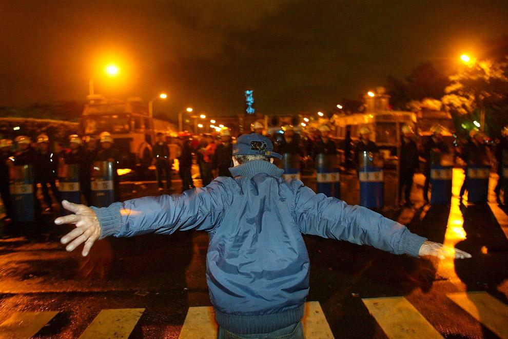 10. Да уйди ты от меня! Нет, это не протесты, это учения на Западном берегу, 18 сентября 2011.