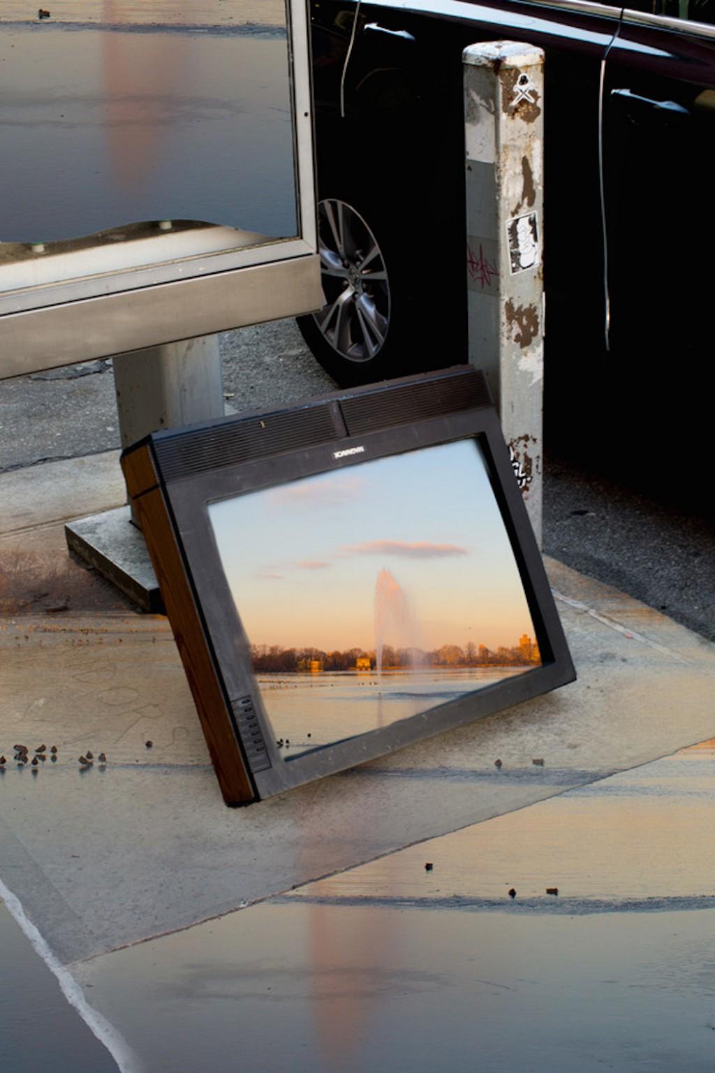 Бруклинский фотограф ищет сюрпризы на городских улицах (16 фото)