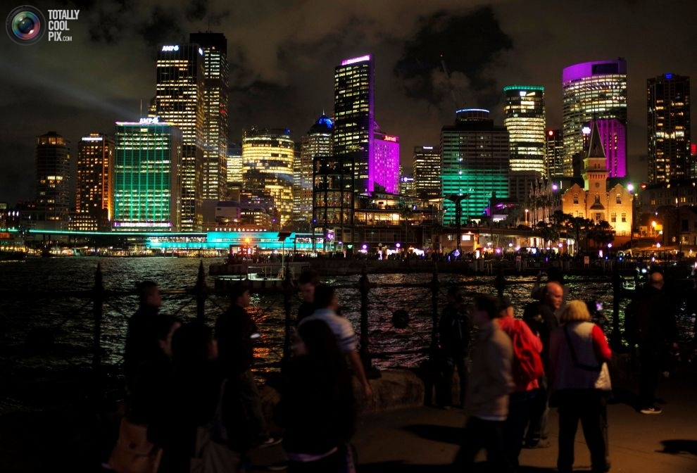 Световые проекции на здания в день открытия фестиваля Vivid Sydney.