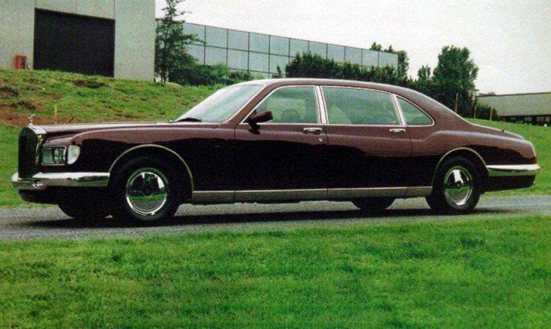 Об этом автомобиле известно не так много: его дизайн был создан в студии Bertone, а тираж составил в