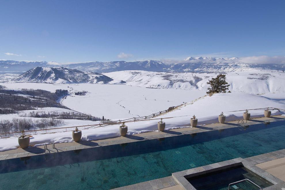 7. Горнолыжный курорт в Аспене, штат Колорадо. Здесь тоже идет игра на контрасте температур.