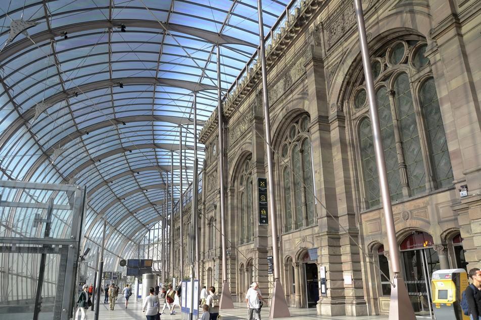 4. Вокзал Ля Гар, Страсбург Нынешний вокзал Ля Гар во французском Страсбурге снаружи — не что иное,