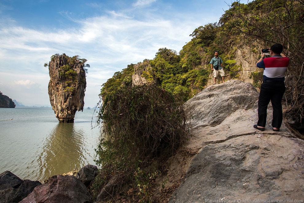 По самому Пинг Кан можно пройти две сотни метров — тут есть несколько маленьких пещер, летучие
