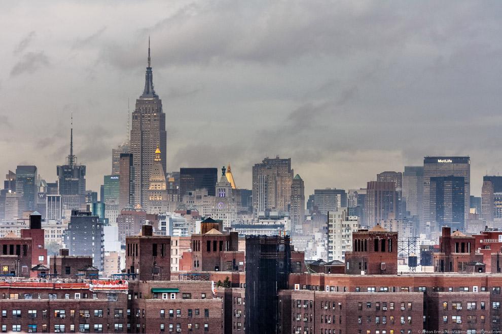 23. Отличный вид на Манхэттен открывается из «Парка Бруклинского моста» (Brooklyn Bridge Park):