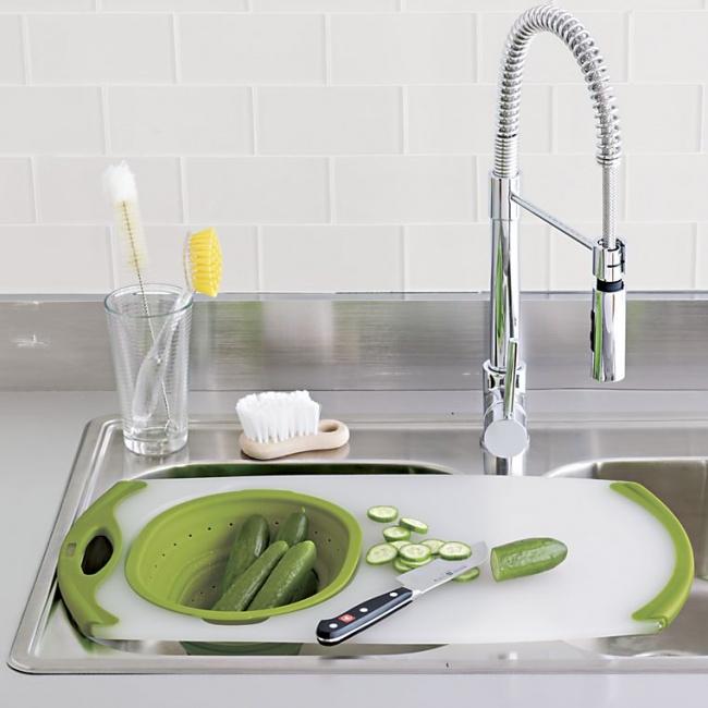© fancy  Эта доска — настоящая находка для любой кухни. Враскладной емкости можно помыть про