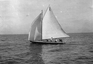 Яхта Б-1 во время гонок по Финскому заливу