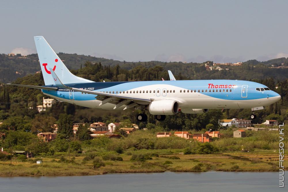 B-737_G-FDZZ_Thomson_3_CFU_resize.jpg