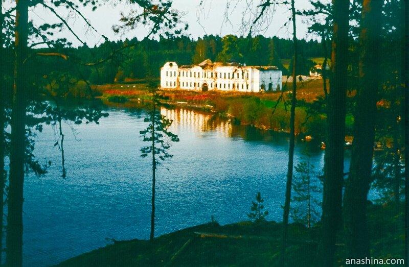 Палеостровский монастырь, Онежское озеро