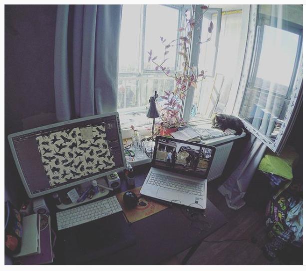 0_17b9f4_eec6b8c3_orig Как зарабатывать на принтах: интервью с художником Анной Алексеевой