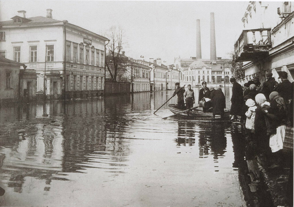 1134 Наводнение 1926 г Б. Якиманка.jpg