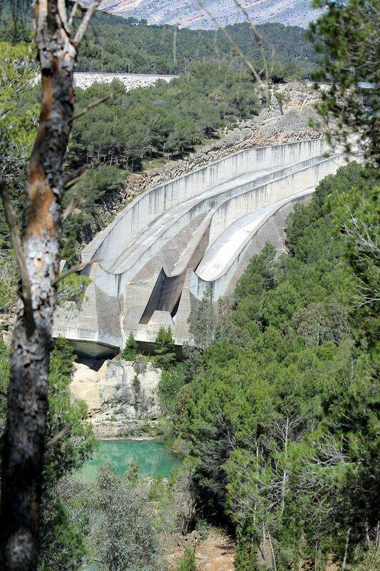 El Chorro. Guadalteba dam (Presa del Guadalteba)