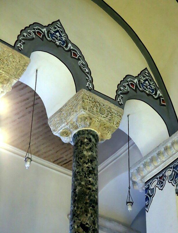 Стамбул. Церковь Святых Сергия и Вакха, Малая София (Küçük Ayasofya camii). Интерьеры
