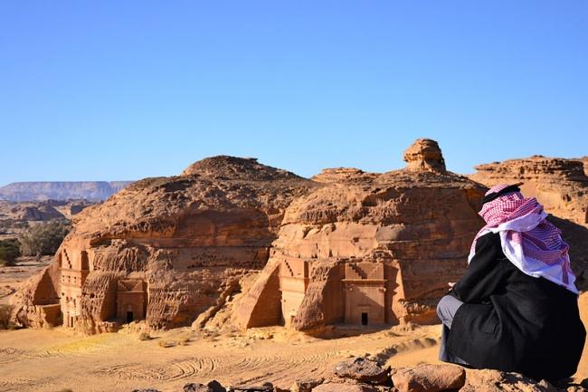 © wikimedia  Посравнению сиорданской Петрой археологический комплекс Мадаин-Салих нетак шир