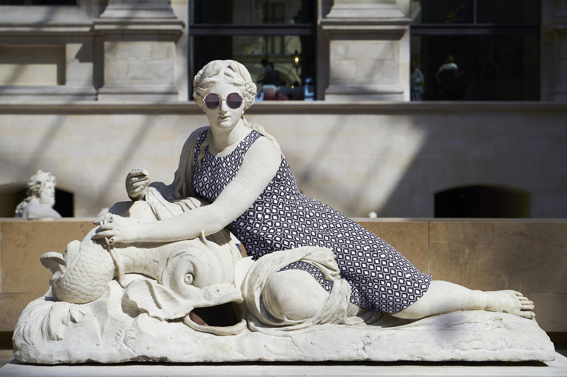 Hipsters in Stone - He continues to dress the statues as Hipsters