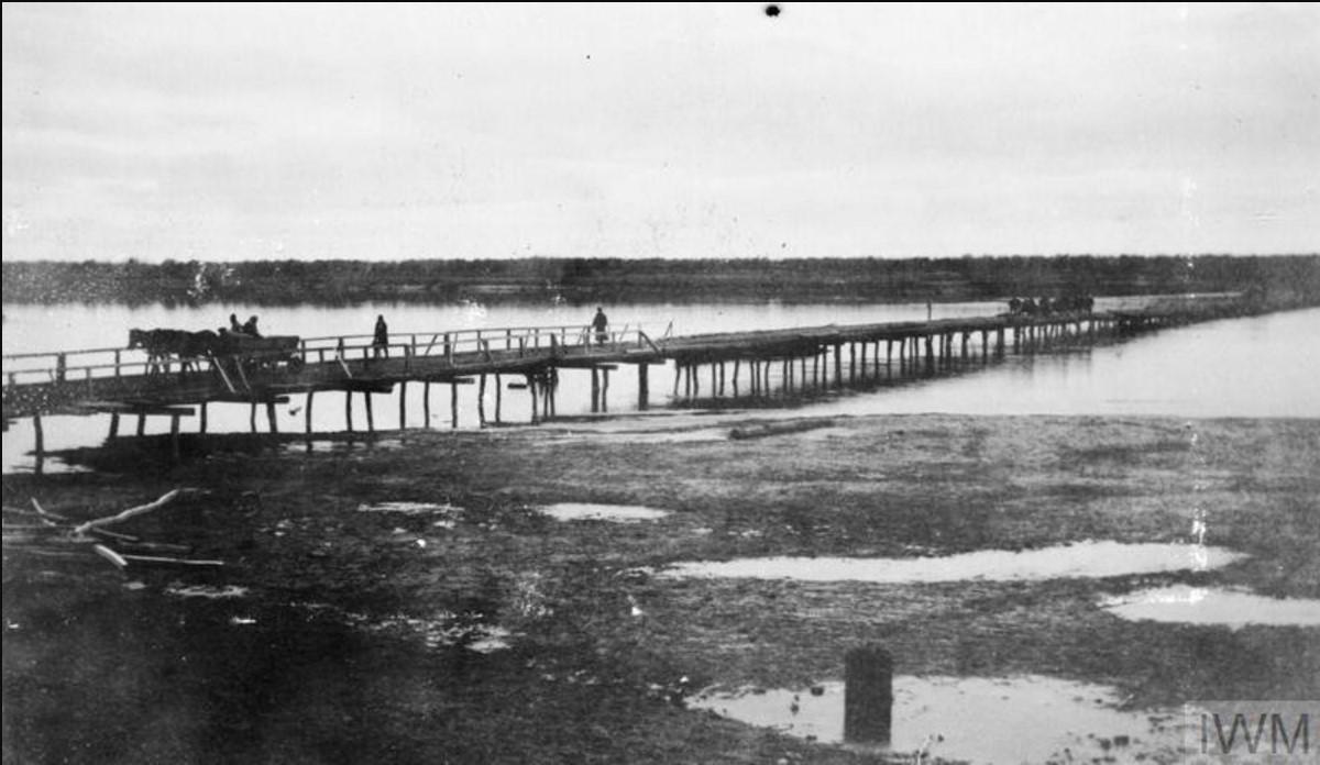 Мост недалеко от поселка Медведицкого
