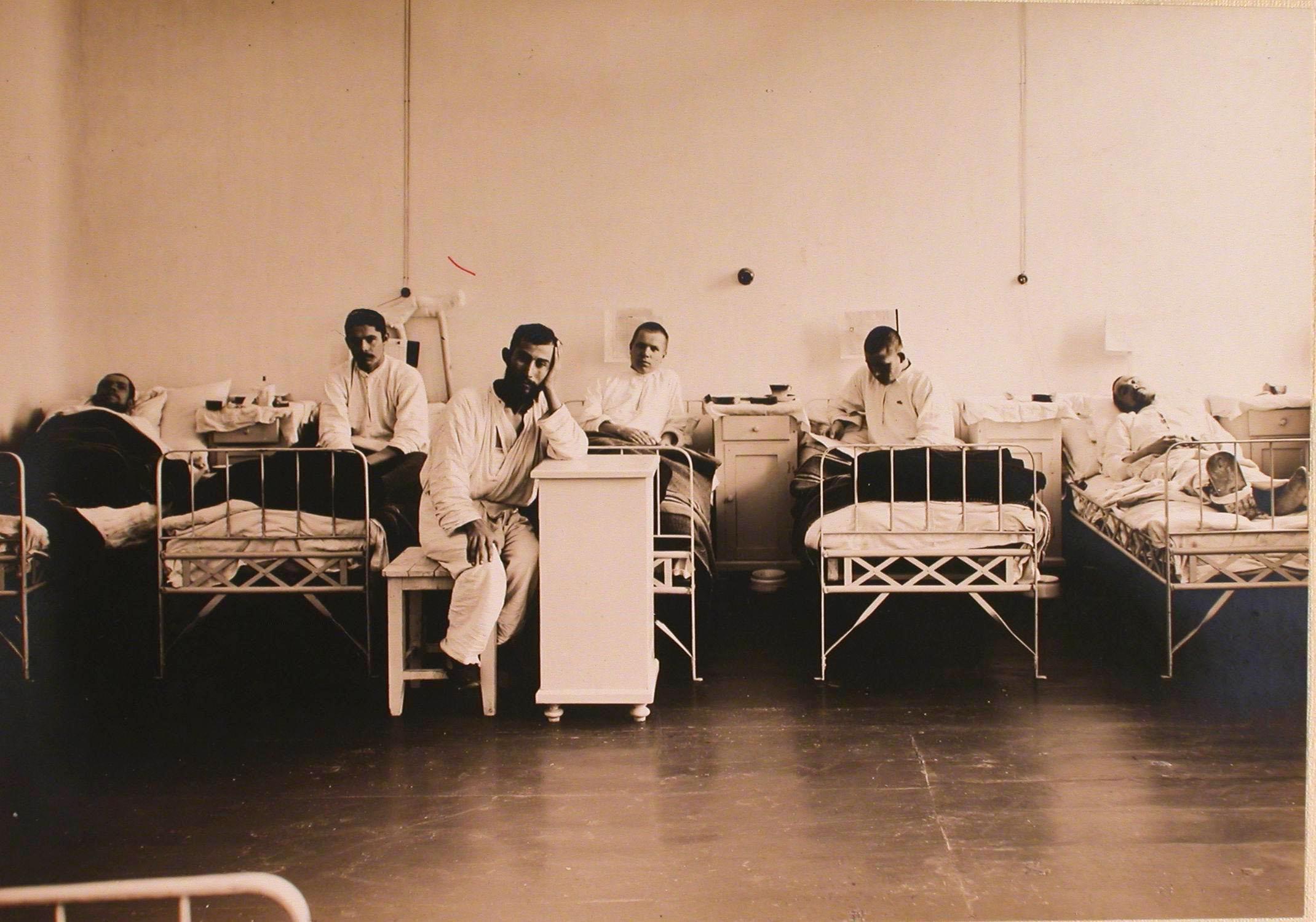 06. Раненые в одной из палат госпиталя №1