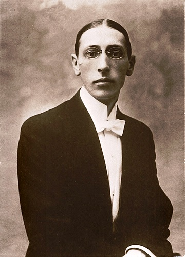 Stravinsky_Igor_Postcard-1910.jpg