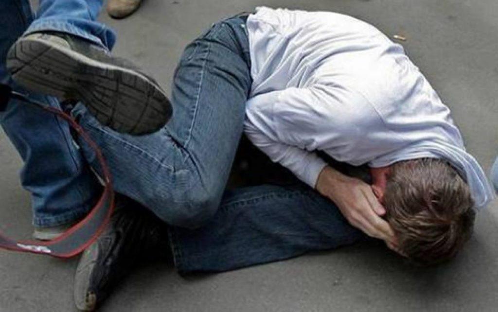 ВЕкатеринбурге отец попытался убить пятилетнего сына наглазах прохожих