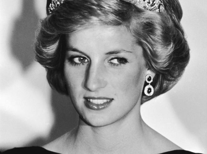 Принцесса Диана По сей день многие считают принцессу Диану, первую жену Чарльза, принца Уэльского, с