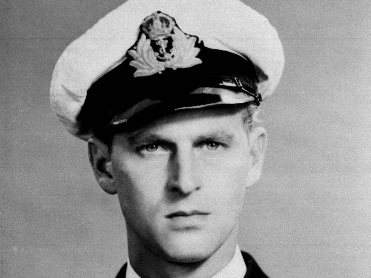 В 1939 году принц стал кадетом в Королевском военно-морском флоте Великобритании.
