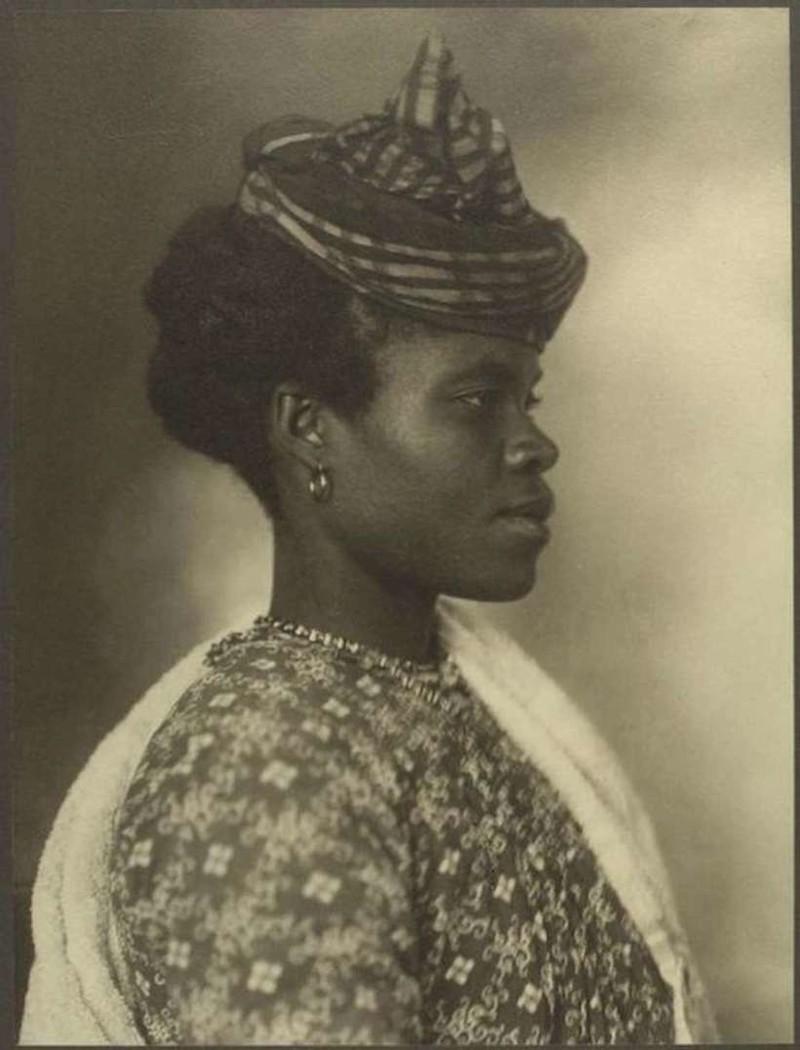 Гречанка, 1909. Другого фото, к сожалению не нашла.