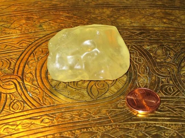 © wikimedia  Ливийское стекло— это самый редкий минерал напланете, найти который можно тольк