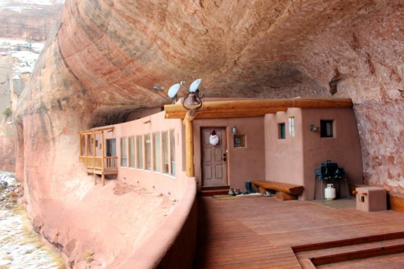 Особняк в каньоне, Юта, США Этот дом в 1986 году построила супружеская пара, которая мечтала жить в
