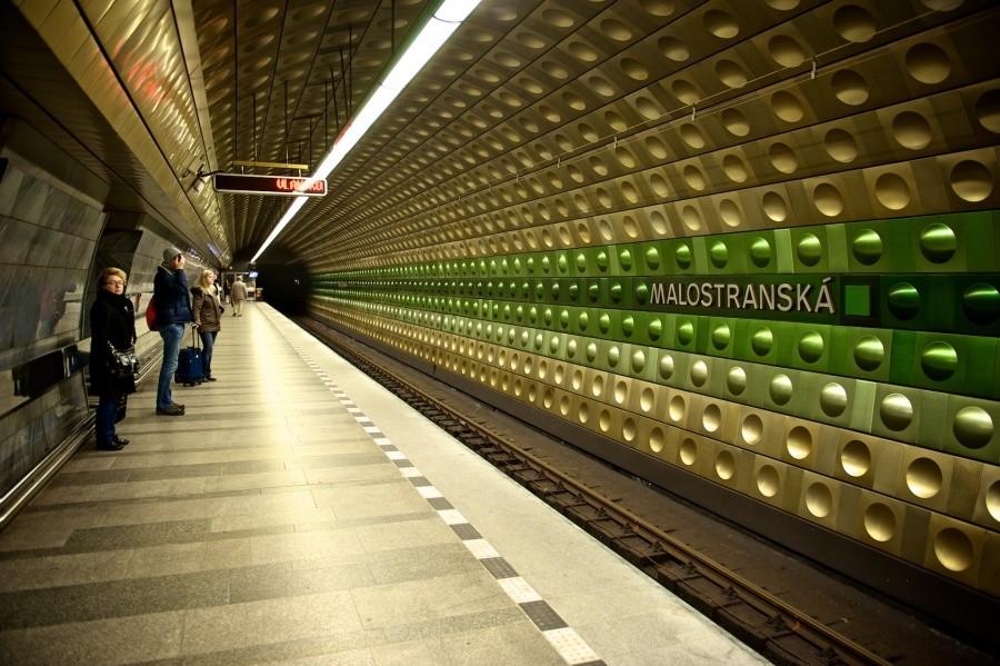 15. Метро в Праге, станция «Малостранска».