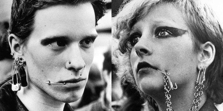 …и атрибут зародившегося стиля панк — жутковато выглядящие булавки… в щеках! 1980-е: трикотажные гет