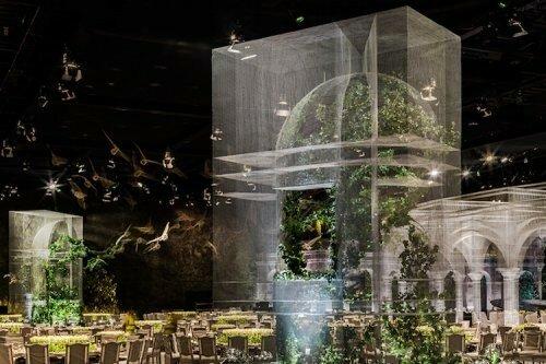 Призрачная проволочная инсталляция для королевского мероприятия в Абу-Даби