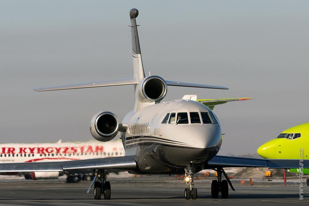 Dassault_Falcon_900EX__M-AGIK_Private_1_OVB.JPG