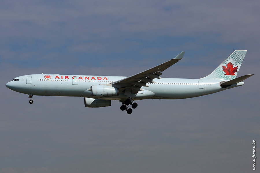 A-330_C-GHKW_Air_Canada_zps2c42bf40.JPG