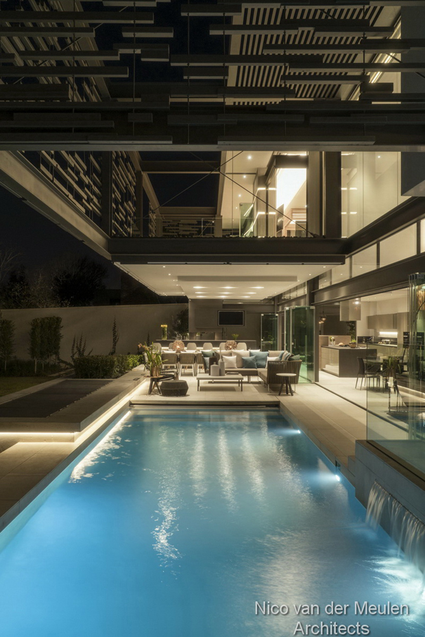 Forest Road Home by Nico Van Der Meulen Architects