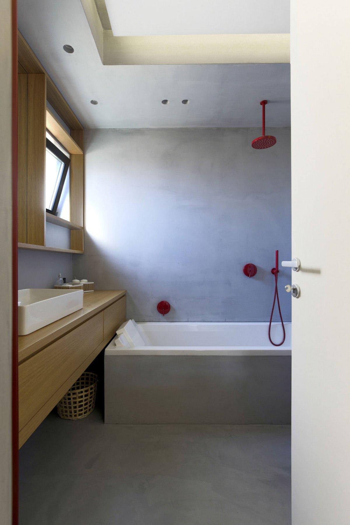 Аскетичный интерьер резиденции в Палермо