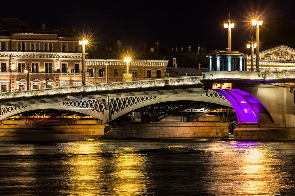 Ночные бабочки на ночь Мытнинская наб. русдосуг индивидуалки в Санкт-Петербурге