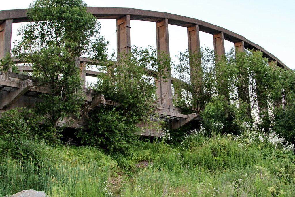 Старые арки Володарского моста.