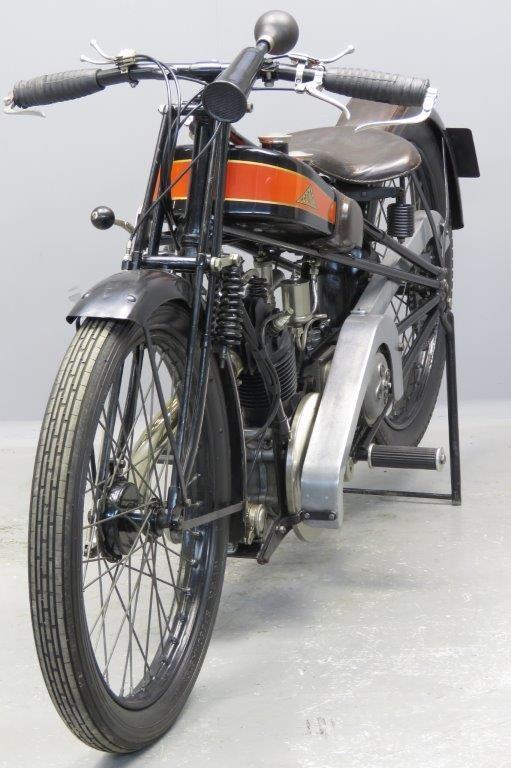 Старинный мотоцикл Cotton Blackburne 1925