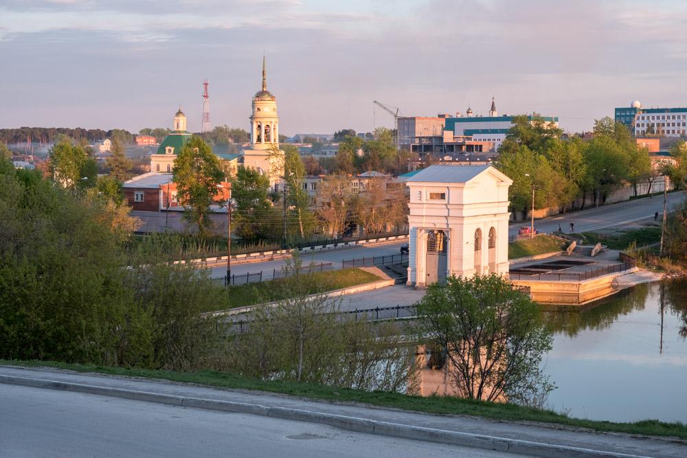 Плотина в Каменске-Уральском, на закате в юине