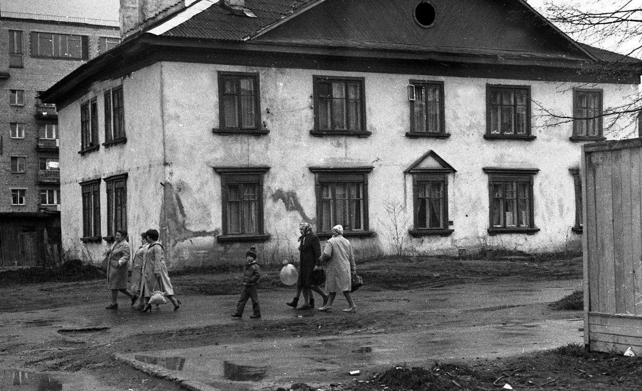 Новгород. 1 мая (70-е)