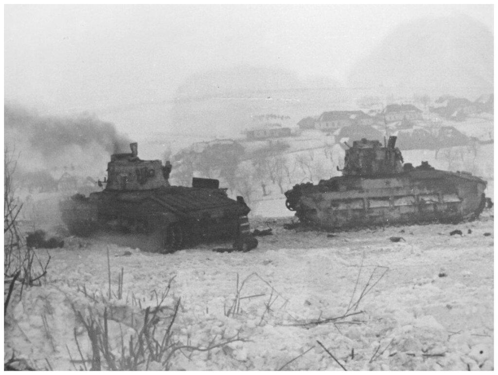 """Танки Mk.II """"Матильда"""" из 101-й тбр подбитые в Тросненском районе Орловской обл. 22 февраля 1943 года."""