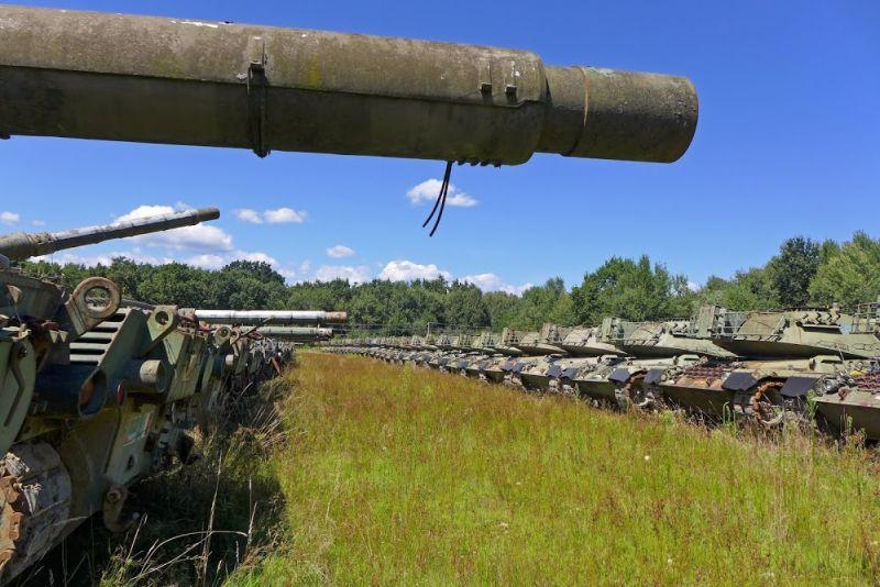 Abandoned-Italian-Army-tanks-and-mothballed-armoured-personnel-carriers.jpg