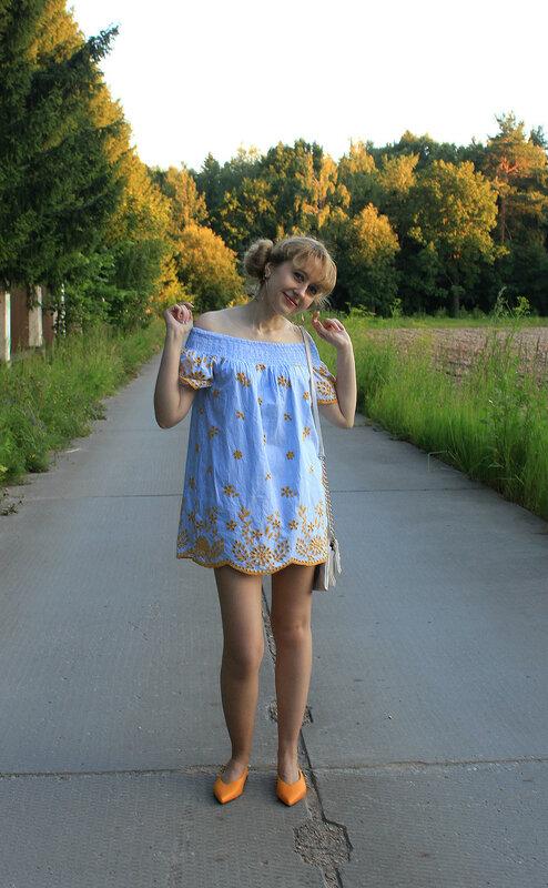 Платье - Zara, туфли-лодочки - H&M, сумка - Accessorize, серьги - H&M