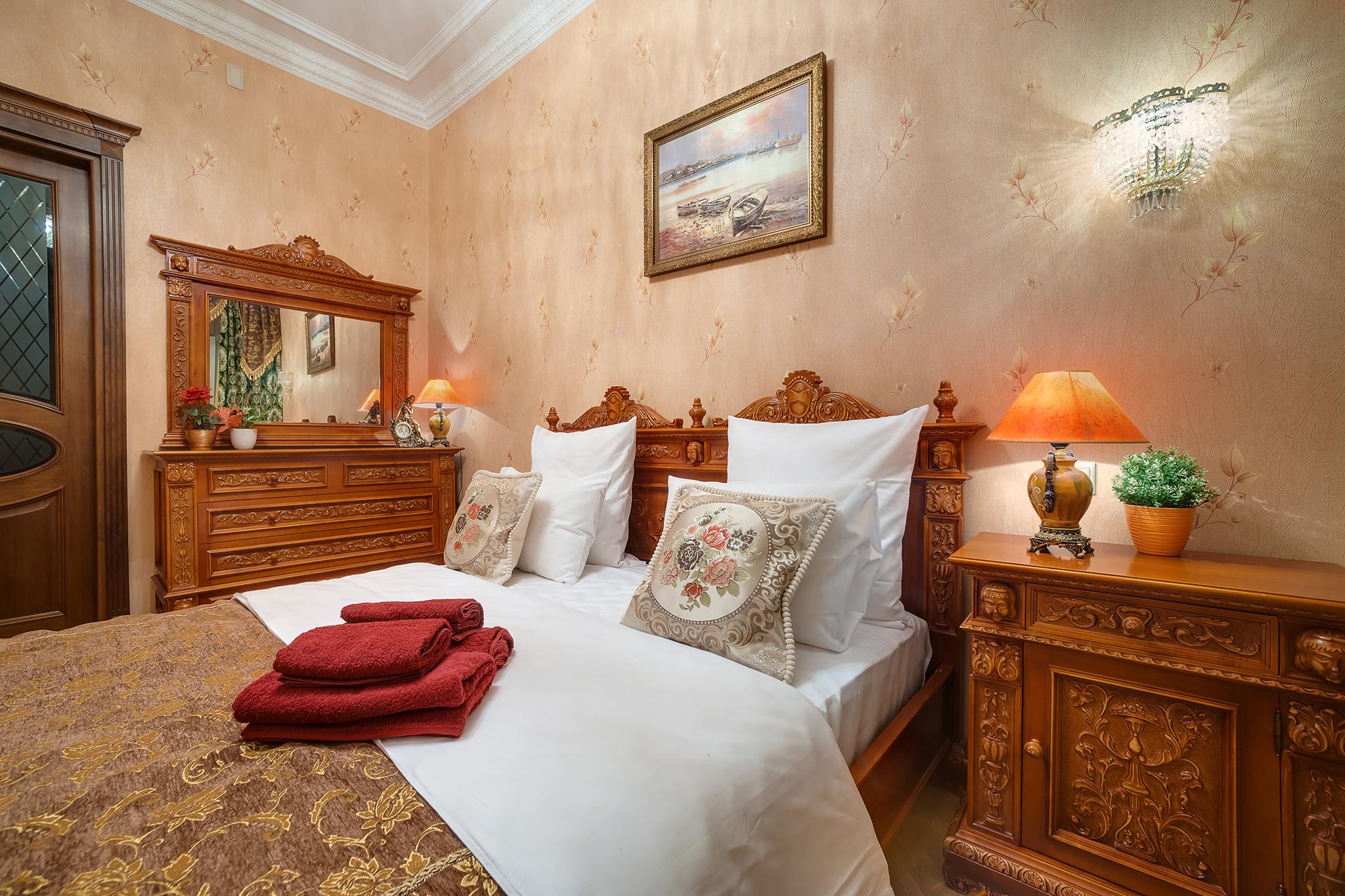 фотосъемка интерьера спальной комнаты в гостинице