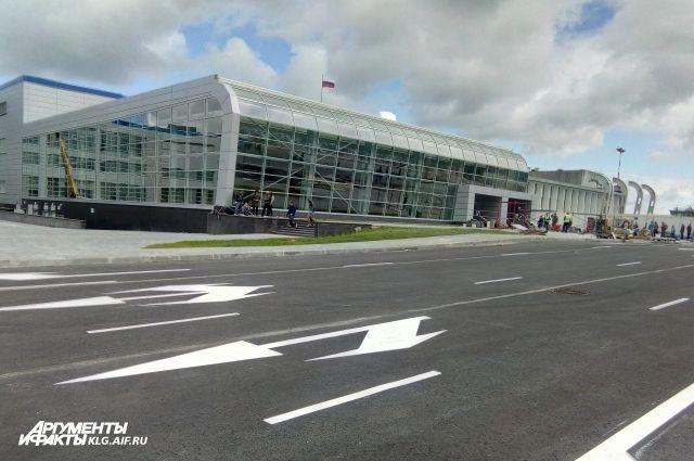 Новый терминал Храброво принял вдень открытия три рейса одновременно