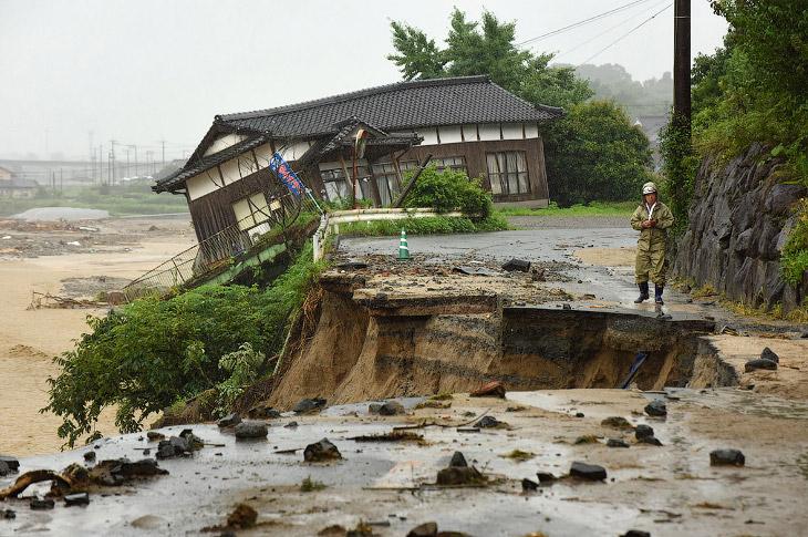 Наводнение в Японии (15 фото)