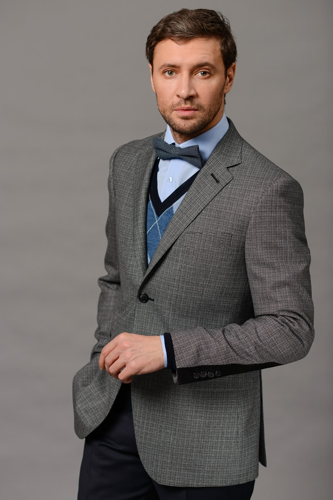 Модные мужские костюмы от магазина «Большевичка» (1 фото)