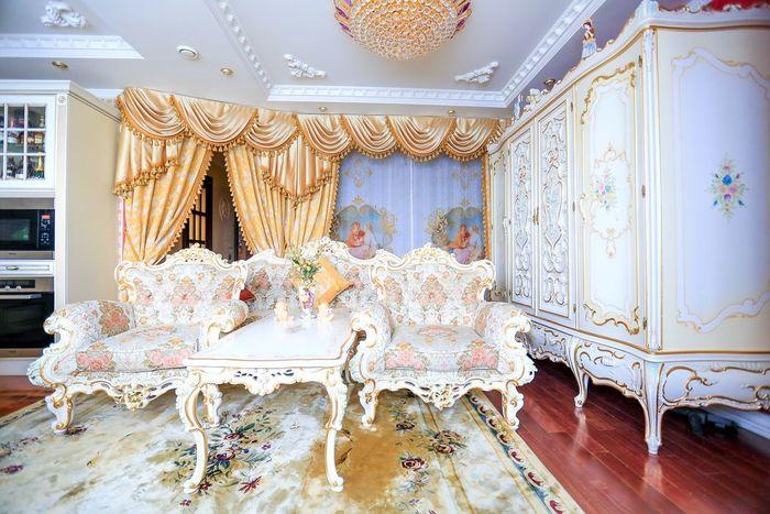 Обставить квартиру в стиле барокко — удовольствие дорогое. Даже самые дешевые варианты выйдут дороже
