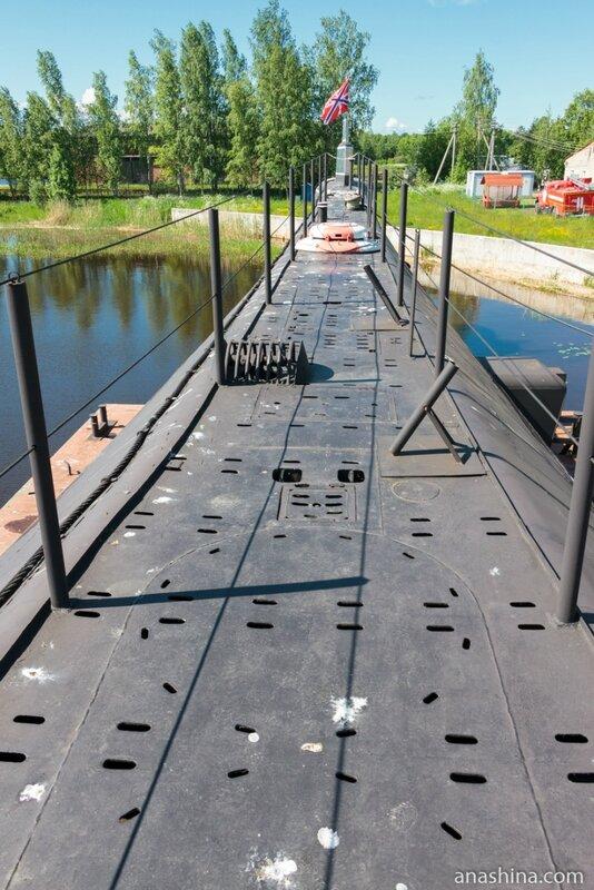Верхняя палуба подводной лодки Б-440, Вытегра